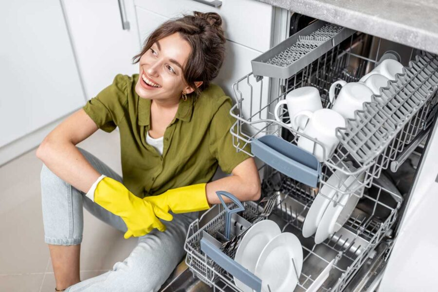 Come pulire la lavastoviglie: guida alla manutenzione